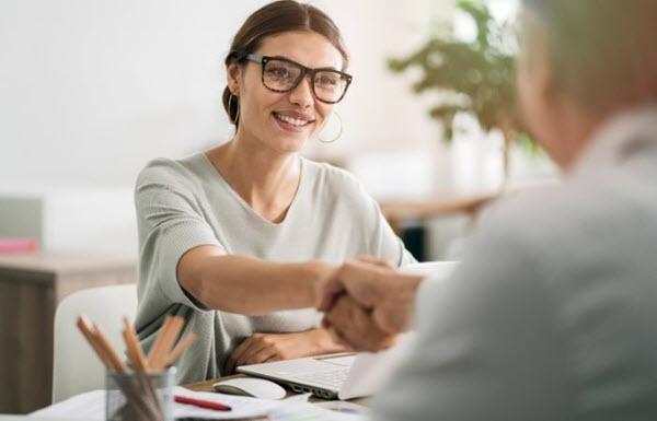 Cómo elegir al abogado adecuado: 3 cosas que debes observar